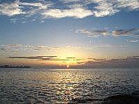 蜈支洲海边观日